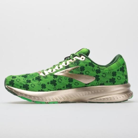 brooks shamrock shoes
